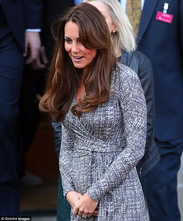 VIDEO: Kate Middleton Baby Bump Pics