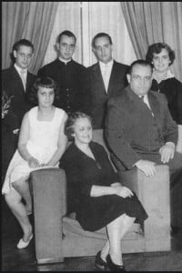 Jorge Bergoglio family photo