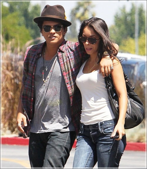 Jessica Caban- Bruno Mars' Girlfriend