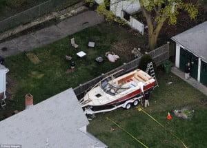 DZHOKHAR-TSARNAEV-BOSTON-BOMBER boat arrest