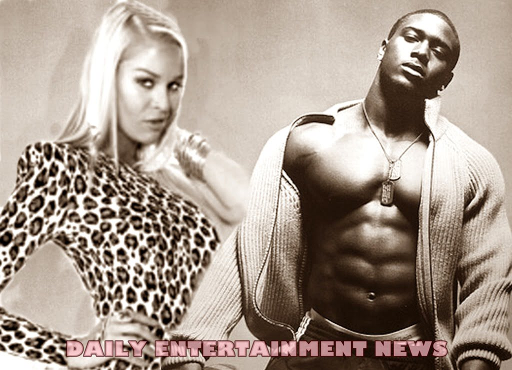 January Gessert (January Ryan) is Reggie Bush Mistress