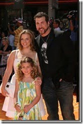 Kelly-Baldwin-Fatone-Joey-Fatone-wife-daughter