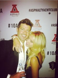 Robin thicke Lana Scolaro twitter-photo