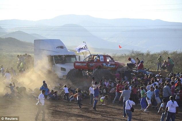monster truck crash 2 pic