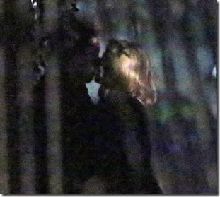 tim-burton-caught-kissing-blonde