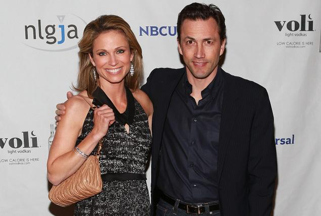 good morning america amy robachs husband is andrew shue