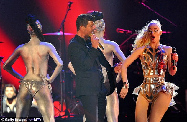 best-performances-ema-robin thicke pic