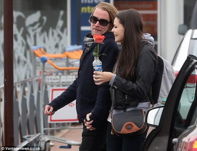 Jordan Lane Price Macaulay Culkin S New Girlfriend A Mila