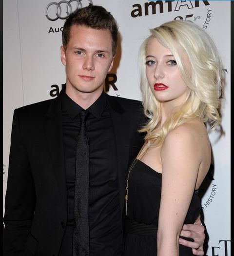 Barron Hilton with girlfriend Vanessa DuBasso 3 pic