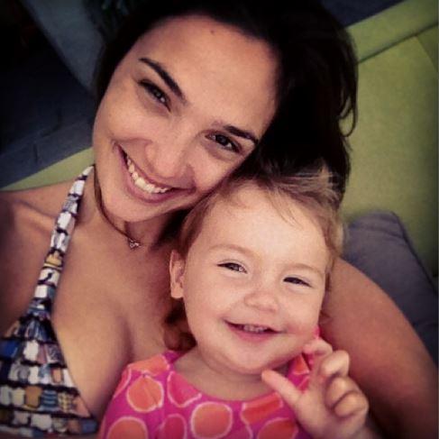 Photo of Gal Gadot & her Daughter  Alma Versano