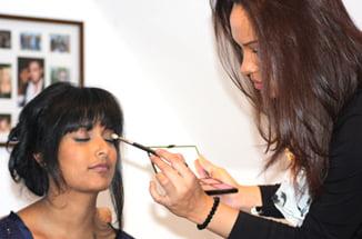 Naiyana garth makeup artist