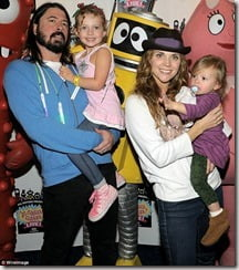 dave-grohl-jordyn-blum-daughters