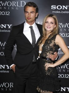 theo-james-ruth-kearney-premiere-underworld-awakening-05