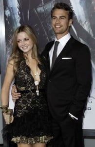 theo-james-ruth-kearney-premiere-underworld-awakening-pic