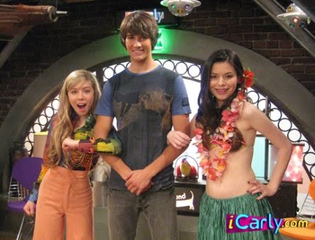 Last Episode Of Drake And Josh Now She S Carly