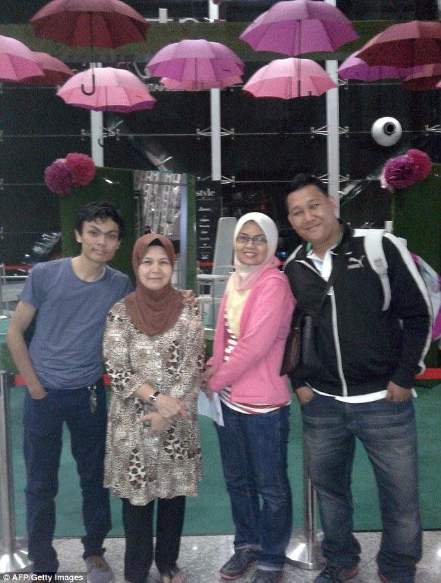Norliakmar Hamid husband Razahan Zaman Malaysian  airlines flight mh370