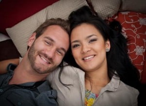 Who is Kanae Miyahara? How did Nick Vujicic met his wife? We have all the answers, but first meet Kanae Miyahara, I believe many of you know who is motivational speaker Nick Vujicic, that amazing man who was born without legs and arms, who has been happily married to this beautiful woman. #nickvujicic #kanaemiyahara #kanaevujicic @dailyentertainmentenews