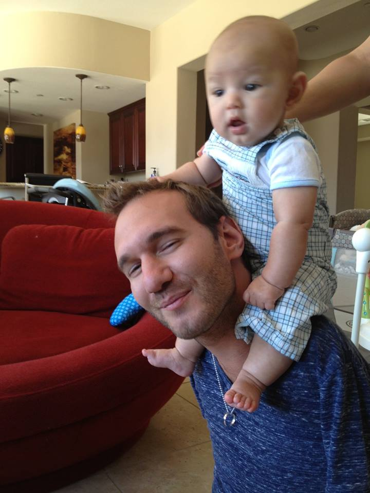 Limbless Evangelist Nick Vujicic Enjoys Family Life After ...