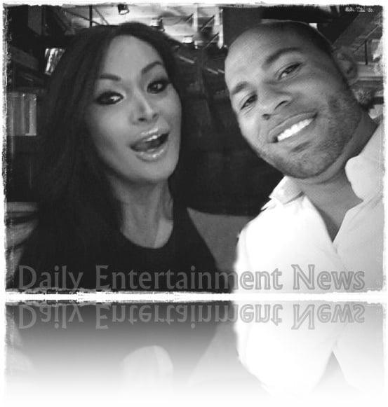 Last week we heard Kendra Wilkinson and Hank Baskett called it off, he moved out of the family home and check in at a motel, and today thanks to the National Enquirer we found the reason of the split, Ava Sabrina London aka Ava S. Masainai a transsexual model who claimed had an affair with the former NFL player while Kendra was pregnant with their second child. #avasabrinalondon #avamasainai #transsexualmodel, #hankbaskett #affair #mistress #gayaffair