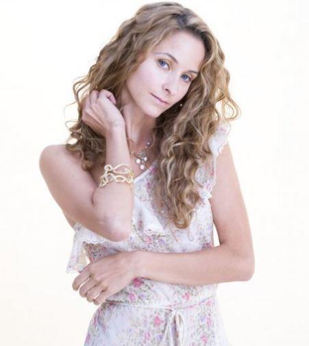emilie livingston jeff goldblums girlfriend bio wiki