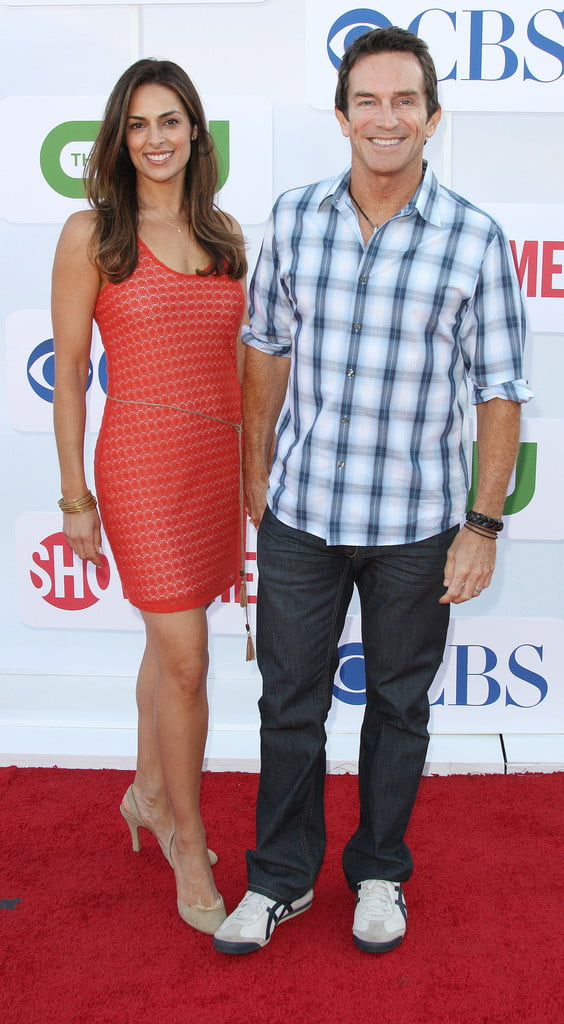 Lisa Ann Russell: Survivor host Jeff Probst's Wife (bio, Wiki)