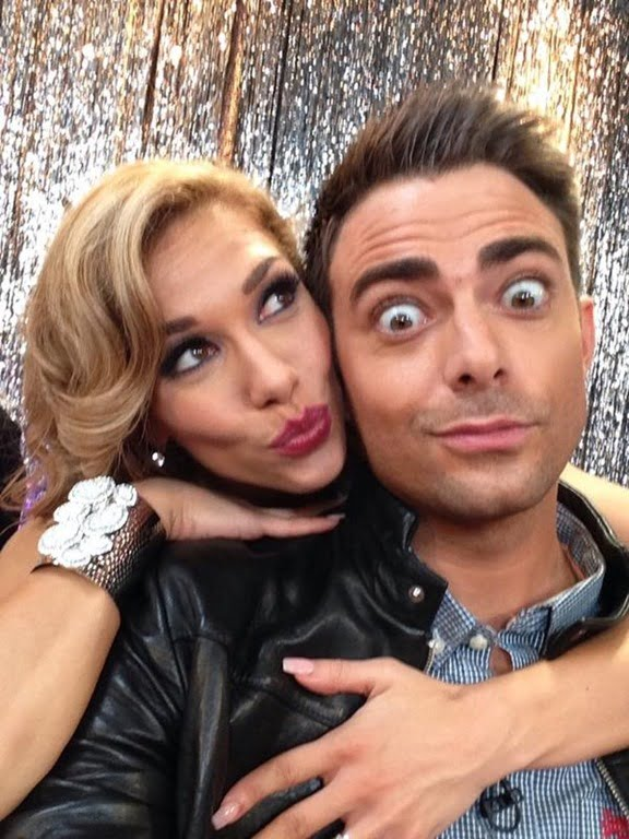 jonathan bennett dating Mean girls actor jonathan bennett is one of the 13 celebrities competing on the 19 season of dancing with the stars with pro dancer allison holker, and we wonder whether or not bennett's.