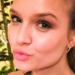 Josephine Skriver: VS Angel with Gay Parents