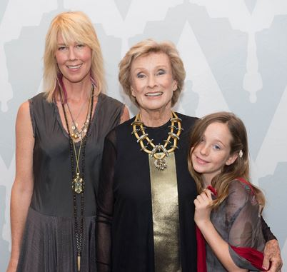 Cloris Leachman with her daughter and granddaughter