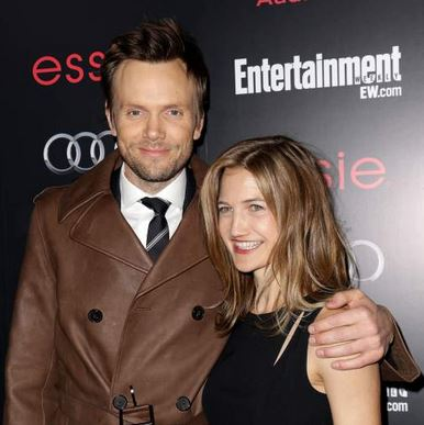 Joel McHale's Wife Sarah Williams McHale (bio, wiki, photos)