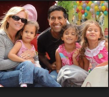 Photo of Sanjay Gupta & his  Daughter  Sky Anjahi Gupta