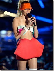 miley-cyrus-outfit-4