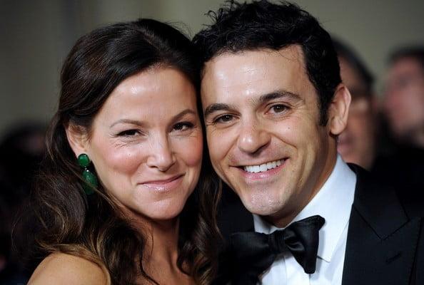Jennifer Stone married to fred savage