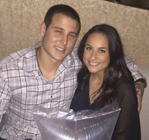 anthony_rizzo_girlfriend__emily_vikos-425x400