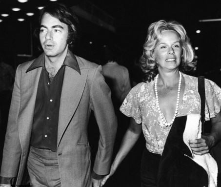 How Old Is Neil Diamond Wife