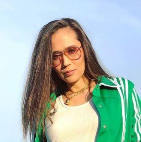 Raquel Rocky Horn